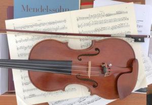Le violon de Marcelline copie